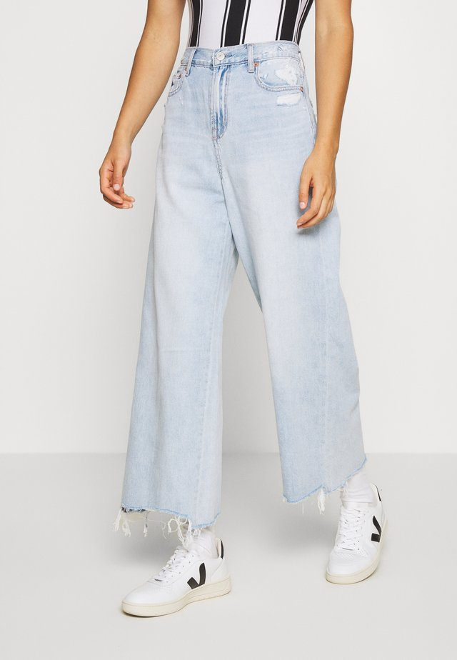 SUPER HIGH RISE WIDE LEG CROP - Jeans baggy - emotional blue