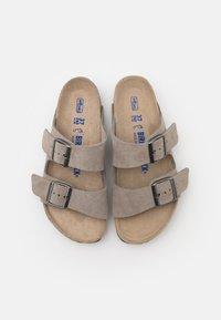 Birkenstock - ARIZONA SOFT FOOTBED UNISEX - Slippers - stone coin - 3