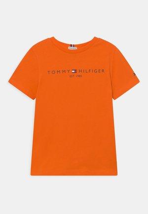 ESSENTIAL TEE UNISEX - T-shirt print - magnetic orange