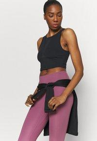 Nike Performance - TANK FEMME  - Funktionsshirt - black/white - 3