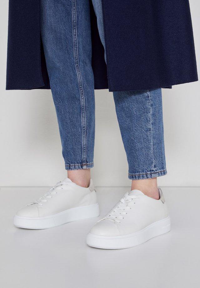 CORA - Sneakersy niskie - white