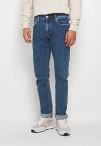 Calvin Klein Jeans - CKJ 026 SLIM - Jeans slim fit - mid blue - 0