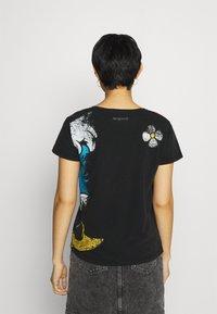 Desigual - MINNIE - T-shirt z nadrukiem - black - 2