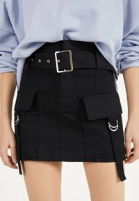 Bershka - MIT GÜRTEL  - A-line skirt - black - 3
