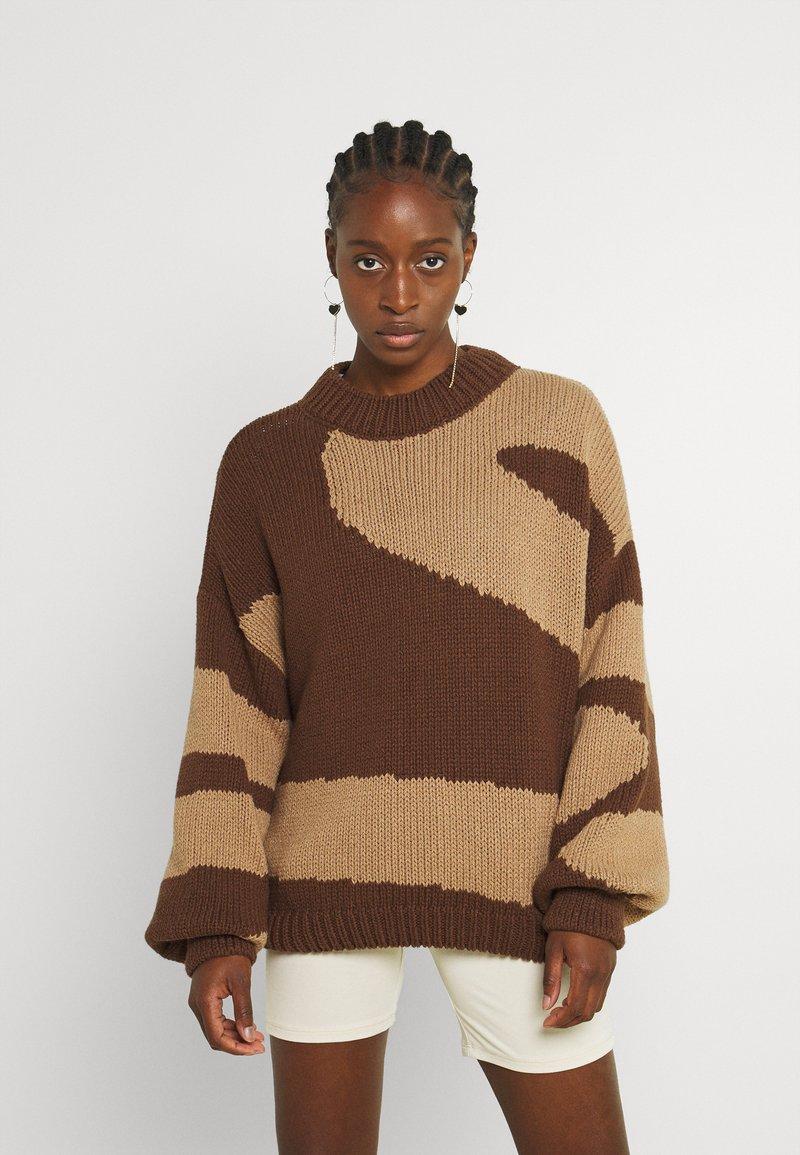 NU-IN - PATTERN - Jumper - dark brown