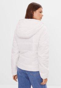 Bershka - Zimní bunda - white - 2
