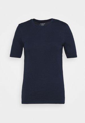 CREW TEE - Jednoduché triko - dark blue