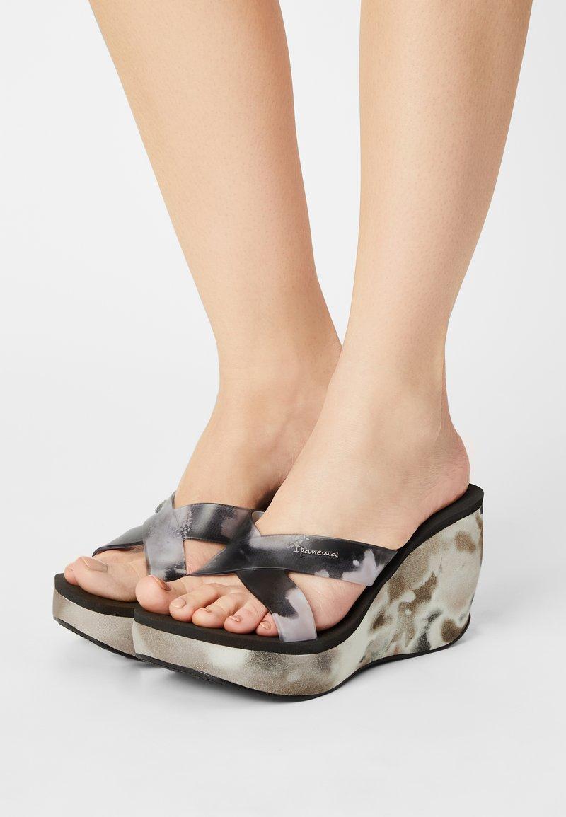 Ipanema - LIPSTICK STRAPS - Wedge sandals - black