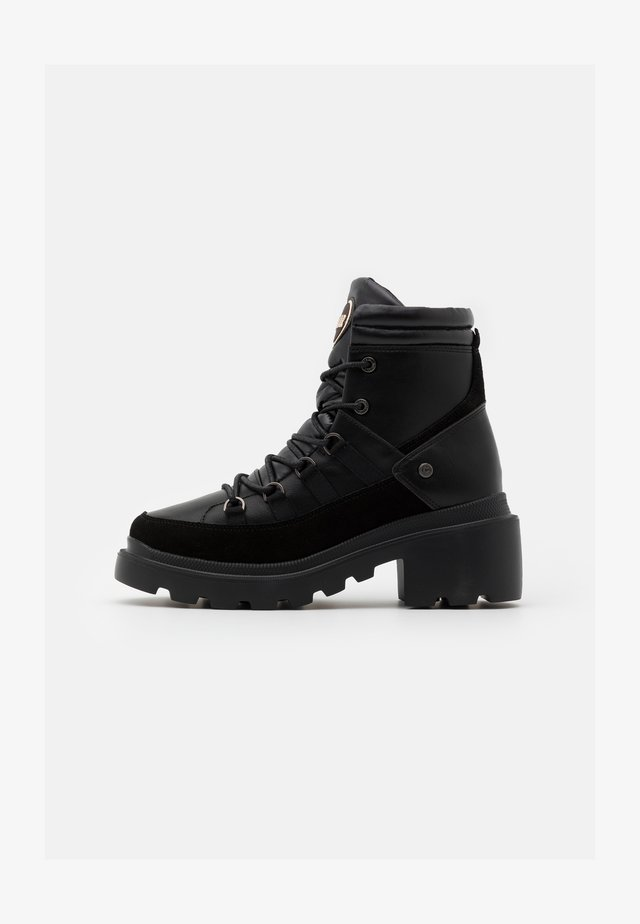 EVIE NEO BOOT - Bottines à plateau - black