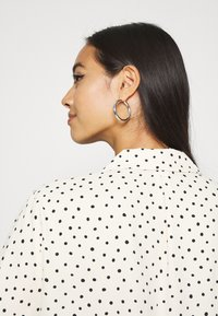 Monki - TANI BLOUSE - Skjorte - white - 4