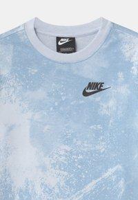 Nike Sportswear - MAGIC CLUB CREW - Bluza - football grey - 2