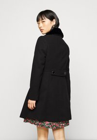Dorothy Perkins Petite - DOLLY COAT   - Classic coat - black - 2