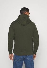 Calvin Klein - LOGO EMBROIDERY HOODIE - Sweat à capuche - green - 2