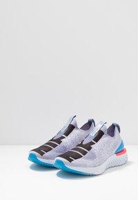 Nike Performance - EPIC PHANTOM REACT - Neutrala löparskor - indigo fog/black/ghost/stellar indigo - 2