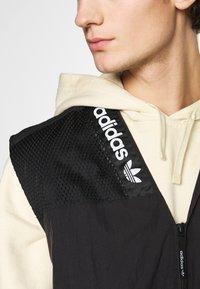 adidas Originals - TRAIL VEST - Waistcoat - black - 5