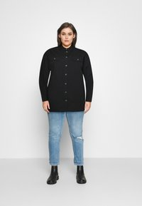 CAPSULE by Simply Be - LONGLINE  - Button-down blouse - black - 1