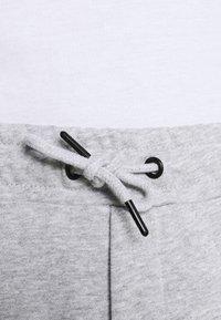 Solid - Shorts - light grey melange - 5