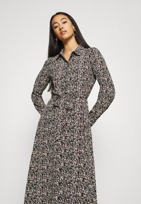 Vero Moda - VMJORDIN DRESS - Skjortekjole - black - 3