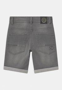 Retour Jeans - LOEK - Jeansshort - light grey denim - 1