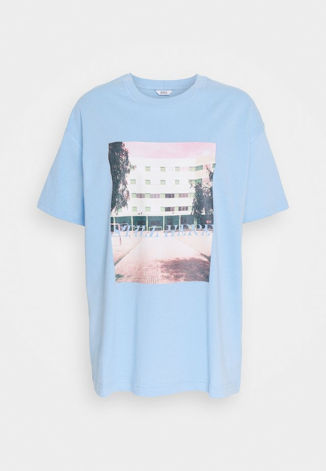 ENKULLA TEE - T-shirt imprimé - light blue