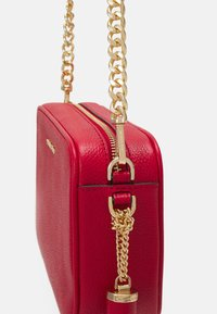 MICHAEL Michael Kors - JET SET CAMERA BAG - Sac bandoulière - bright red - 4