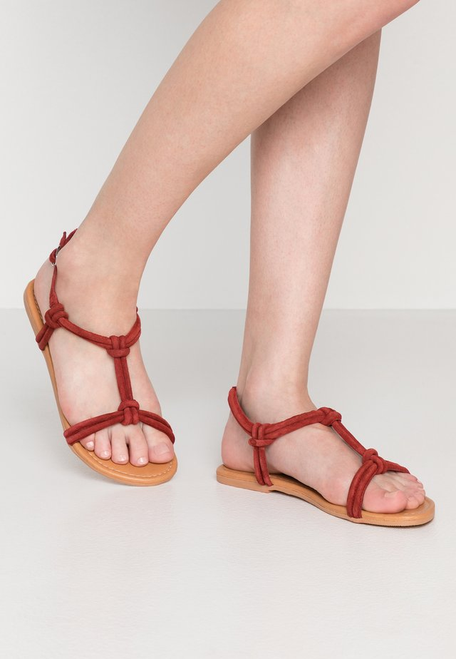 JOJO TUBULAR KNOTTED  - Sandals - red