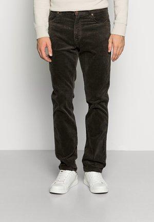 TEXAS SLIM - Pantalon classique - moss green