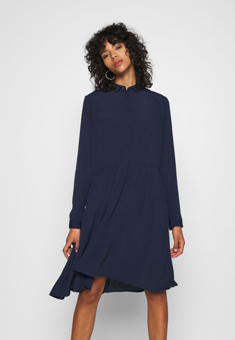 Minimum - BINDIE DRESS - Skjortekjole - navy blazer
