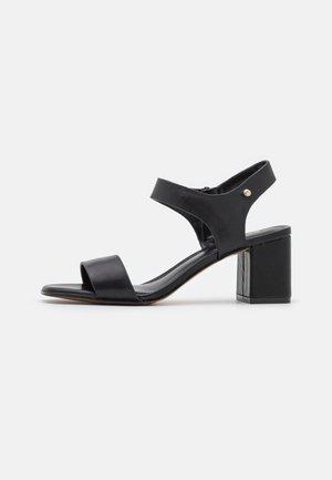 UMEMMA - Sandaalit nilkkaremmillä - black