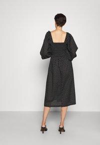 Bruuns Bazaar - ASTER SMOCK DRESS - Vestito estivo - black - 2