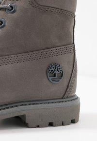 Timberland - PREMIUM BOOT  - Schnürstiefelette - medium grey - 2