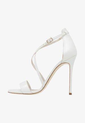 Sandaler med høye hæler - glow bone