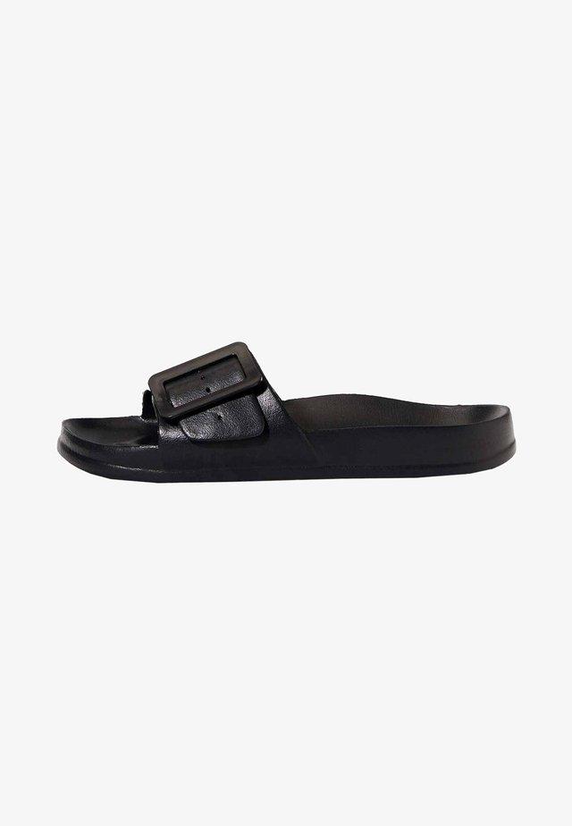 Pantofle - black