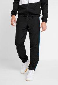 Lacoste Sport - TRACKSUIT - Dres - black/illumination white - 3