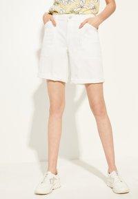 comma casual identity - Denim shorts - white - 0