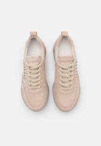 Kennel + Schmenger - BOOM - Sneakers laag - desert/sil - 3
