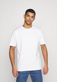 Samsøe Samsøe - HUGO - Basic T-shirt - white - 0
