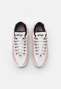 Nike Sportswear - AIR MAX 95 - Joggesko - summit white/black/champagne - 5