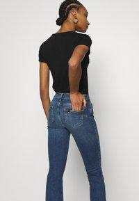 Liu Jo Jeans - BEAT REG - Vaqueros bootcut - blue avatar wash - 3