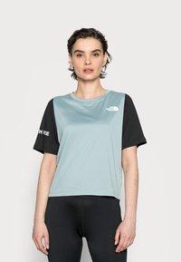 The North Face - Print T-shirt - silver blue/black - 0