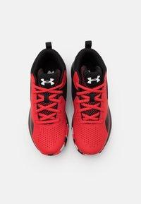 Under Armour - LOCKDOWN 5 UNISEX - Zapatillas de baloncesto - versa red - 3