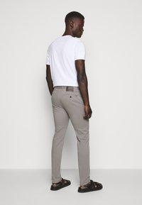 JOOP! Jeans - STEEN - Trousers - light grey - 2
