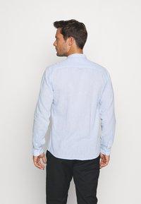 Lindbergh - MANDARIN COLLAR SHIRT  - Shirt - light blue - 2