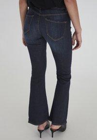 ICHI - IHERIN HASSE TREND - Bootcut jeans - medium blue - 1