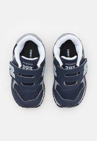 New Balance - IV393CBK UNISEX - Sneakers - navy - 3