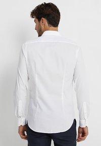 Tommy Hilfiger Tailored - SLIM FIT - Kauluspaita - white - 2