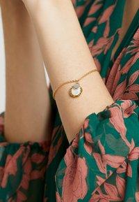 Emporio Armani - Bracelet - gold-coloured - 1