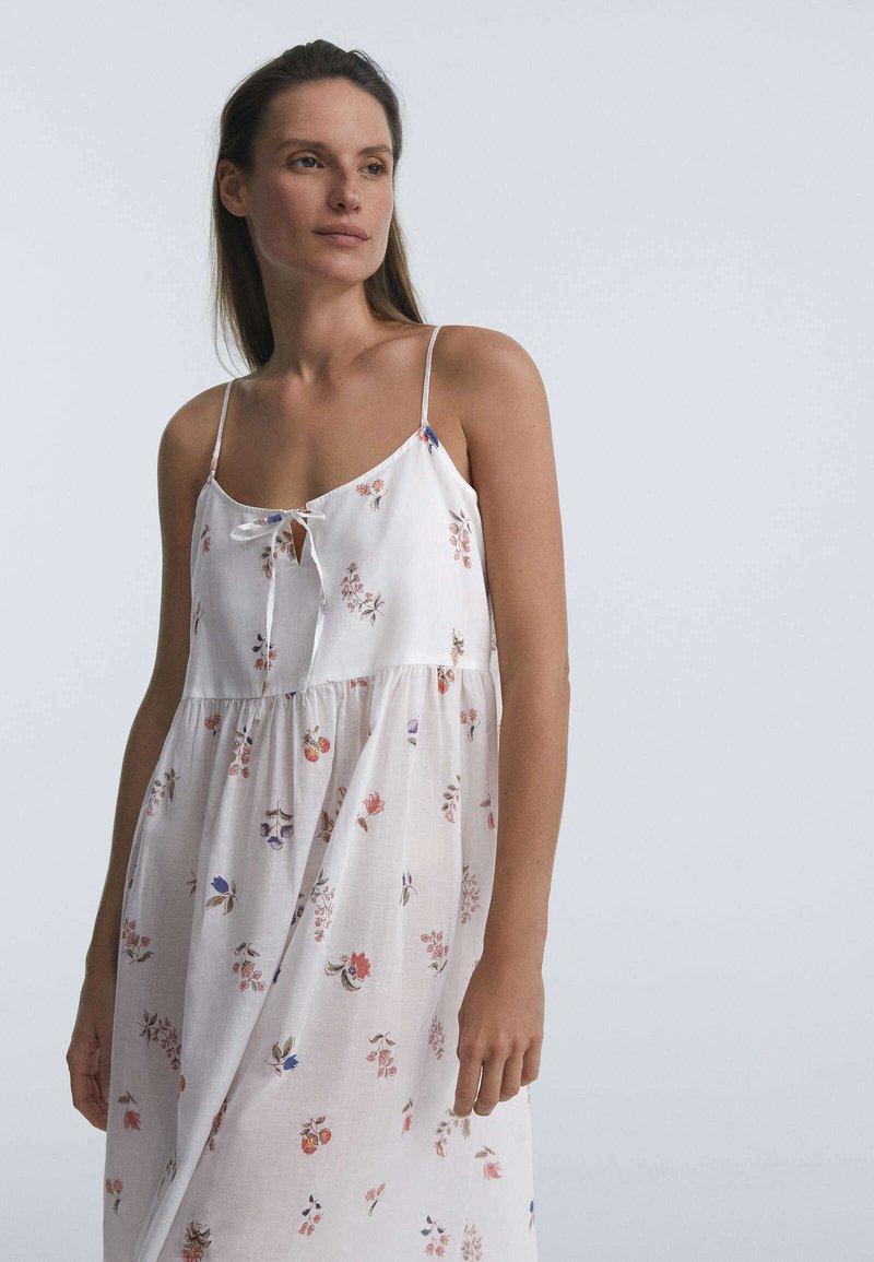 OYSHO - DITSY FLORAL - Day dress - white