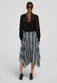 KARL LAGERFELD - A-line skirt - p snake print - 2