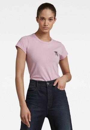SLIM FIT TULIP PRINT TEE - Print T-shirt - lavender pink